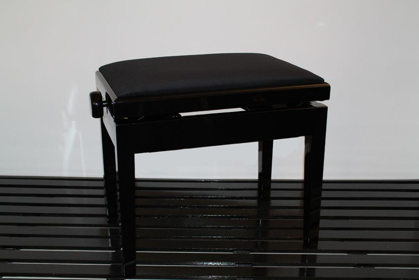New York - black velour top