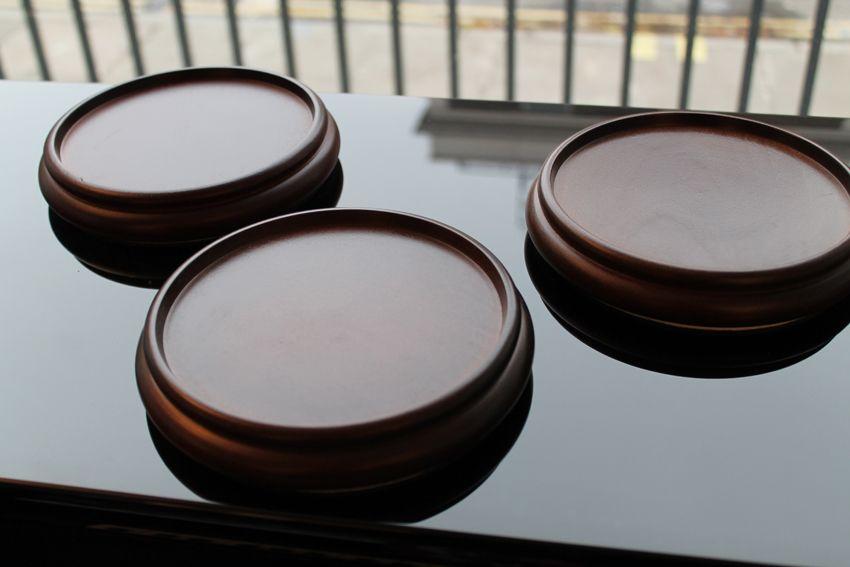 Large walnut wood castor cups